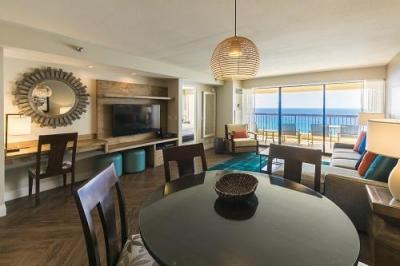 ■ワイキキビーチタワー/Two-Bedroom-Oceanfront-Dining-Table