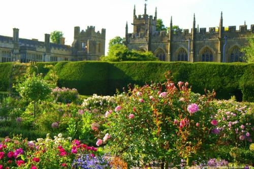 【コッツウォルズ】 (C) VisitEngland/Sudeley Castle/Clive Burling