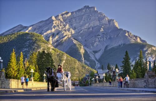 *バンフ/イメージ (C)Banff & Lake Louise Tourism
