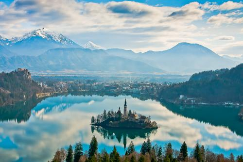 アルプスの瞳【ブレッド湖】(www.slovenia.info, photo:Mirror of Bled - #F000803)