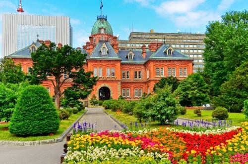【札幌】色とりどりの花と旧北海道庁舎(イメージ)