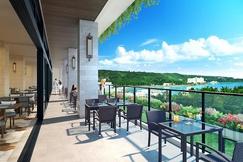 日和オーシャンリゾート沖縄「インフィニティテラス(イメージ)」レストランのテラス席からも絶景♪ /(C)ホテル提供